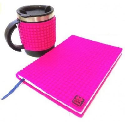 Creative SET pixelated diary with fuchsia cover + pixelated thermocup fuchsia