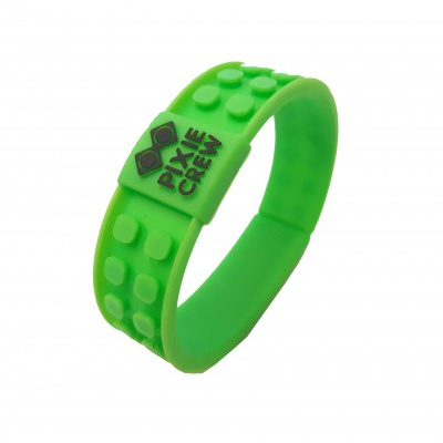 Creative pixelated bracelet green - football